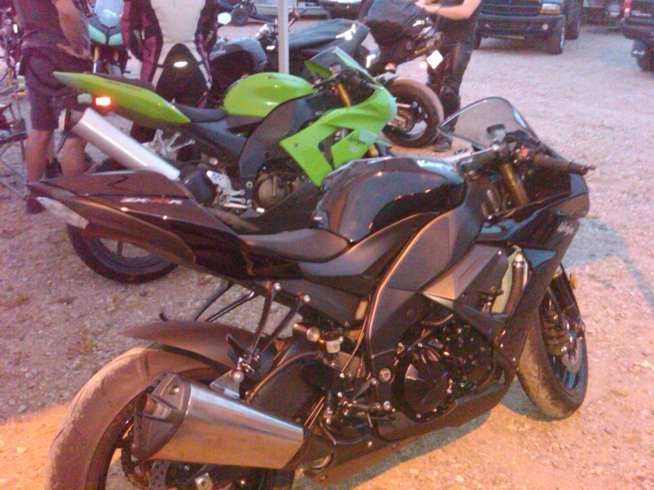 Click image for larger version  Name:2 zx-10 side.jpg Views:322 Size:198.0 KB ID:131692