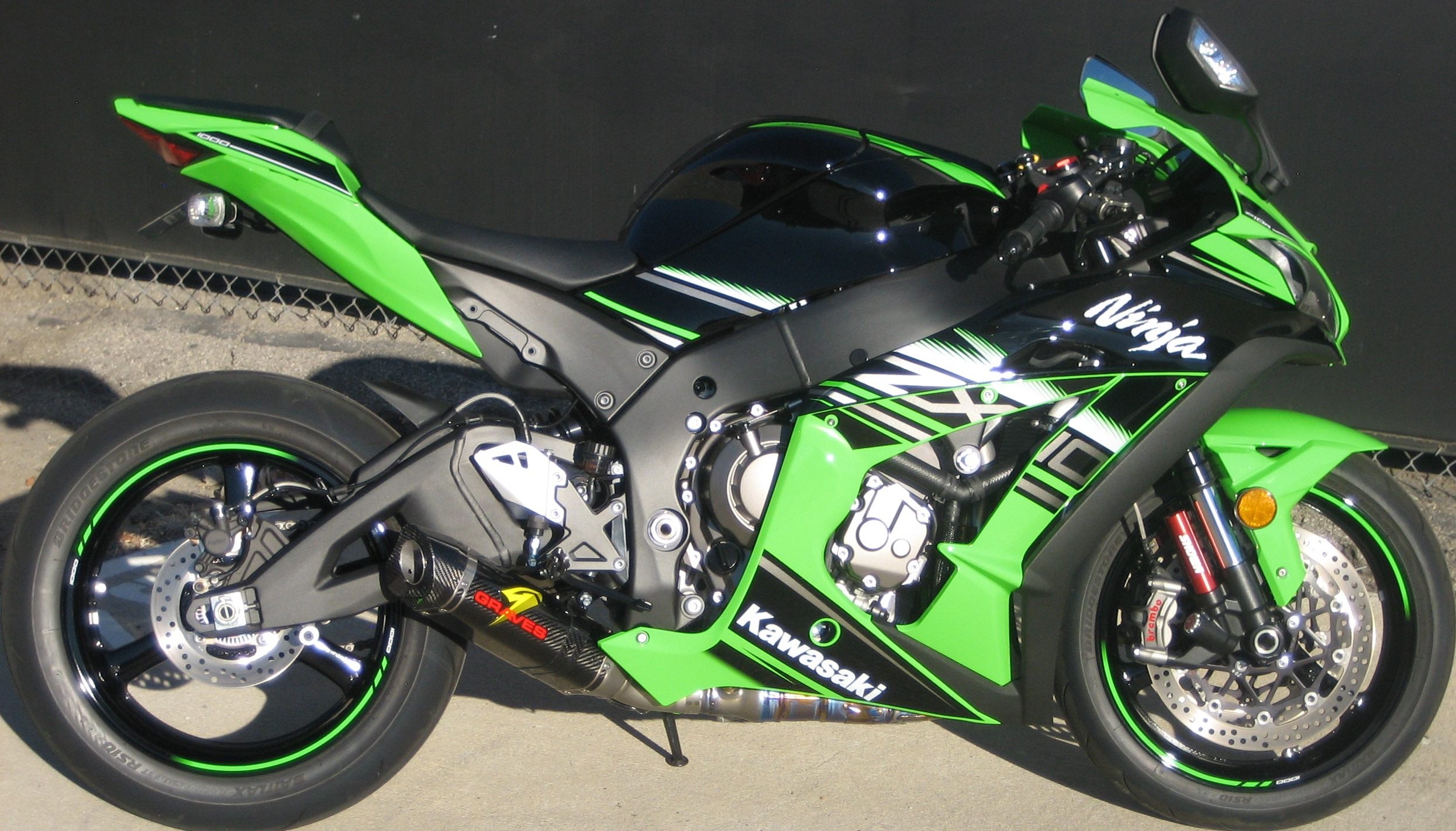 Click Image For Larger Version Name 2016ZX10 Cat Eliminator Full Side Views