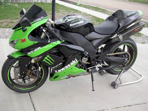 06 Kawasaki Zx10R – Idea di immagine del motocicletta