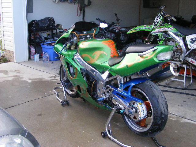 Click image for larger version  Name:ZX7R 002.jpg Views:1599 Size:93.0 KB ID:86471
